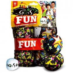 Crossboccia® Double Pack Fun Ob drinnen oder draußen, auf Stühlen oder Parkbänken - jeder Ort kann zur Crossboccia®-Arena werden. Set für 2 Spieler: 2x3 gleichfarbige Stoffsäckchen mit Granulat gefüllt und 1 Zielkugel, mit einer offiziellen Spielanleitung in einer wiederverschließbaren Netztasche. Die weniger gefüllten Funpacks bleiben noch leichter liegen. Ø 8cm, Gewicht 90gr. je Säckchen € 19,99