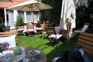 Café im Garten, Café L'Artiste